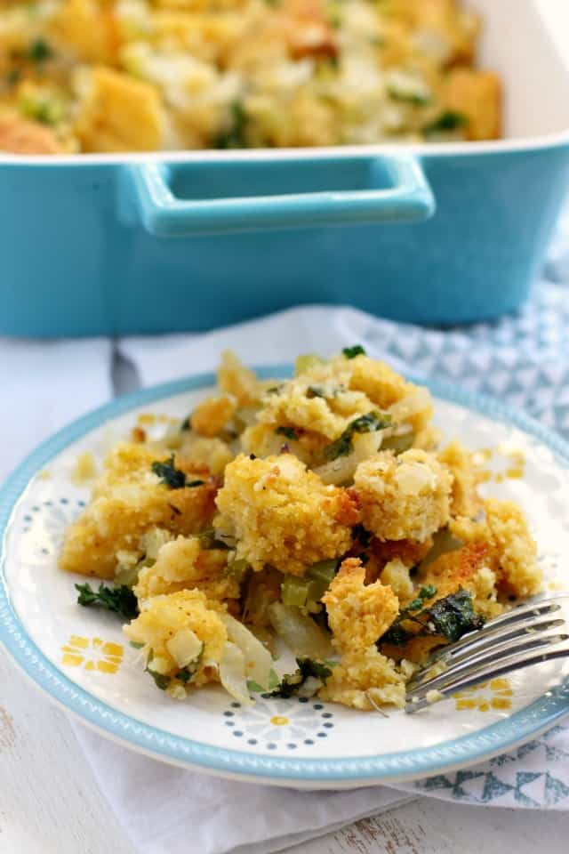 gluten-free vegan thanksgiving cornbread stuffing