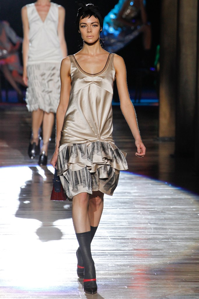 marc jacobs spring 2012 examples of synthetic fibers