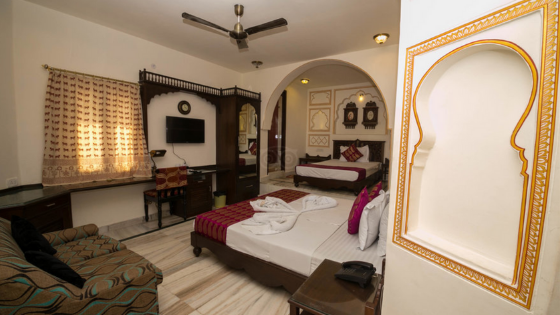 room at the hotel pearl palace jaipur